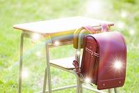 虹と勉強机とランドセル