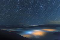 兵庫県 丹波山地の雲海と星