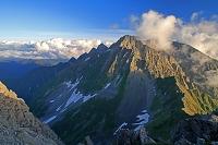 岐阜県 南岳から夕方の穂高岳