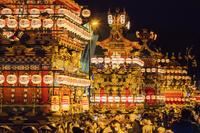 日本 岐阜県 高山祭夕景 高山祭屋台の総曳き揃え