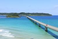 角島大橋と日本海