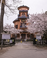 山形県 桜咲く山形市郷土館