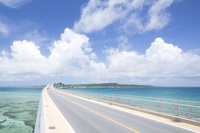 沖縄県 宮古島と伊良部島とを結ぶ伊良部大橋