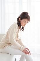 関節痛の日本人女性