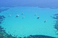 イタリア ランペドゥーザ島 海とボート