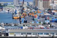 沖縄県 那覇港 コンテナターミナル