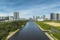 東京都 東雲運河と豊洲と有明、東雲のビル群