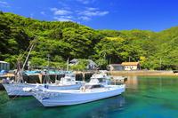 長崎県 久賀島の集落 五輪漁港と集落