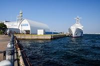 横浜港に停泊中の巡視船
