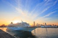 神奈川県 横浜市 大桟橋の客船