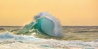 ハワイ ナ・パリ・コースト 大波