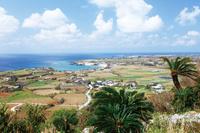鹿児島県 与論城跡と与論島の街並み