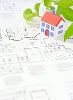 粘土の家と図面