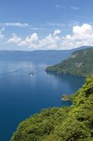 青森県 瞰湖台展望所からの十和田湖