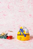 小幡土人形 鈴乗りネズミ
