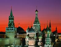 ロシア・モスクワ 聖ワシリー大聖堂とスパスカヤ塔(夕)