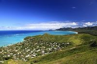 ハワイ オアフ島 ラニカイよりワイマナロ・ビーチと山並