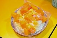 台湾 台北 饒河街観光夜市のマンゴーかき氷