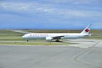 カナダ バンクーバー空港 AIR CANADA B777-300ER