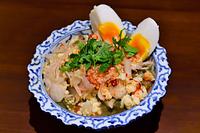 タイ料理 焼きナスのシーフードサラダ