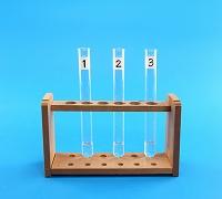 取り出したエタノールを3本の試験管に分ける