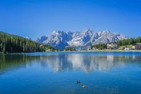 イタリア ミズリーナ湖とソラピス山群