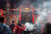 台湾 龍山寺 天上聖母と香炉
