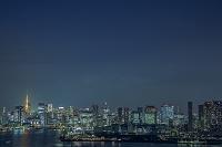 東京都 江東区 有明から望む東京タワーと晴海、芝浦周辺のビル...