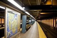 アメリカ合衆国 地下鉄のプラットホーム
