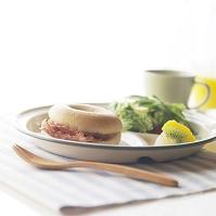 ベーグルのある朝食