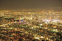 北海道 藻岩山展望台から見る札幌の夜景