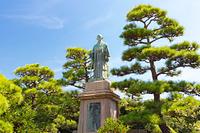 兵庫県 明石公園 中部幾次郎の像