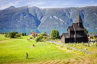 ノルウェー ウルネスの木造教会