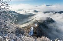 滋賀県 雪と雲海の小入峠