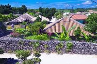 沖縄県 竹富島の家並み