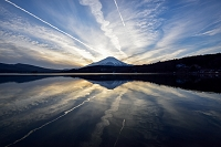 山梨県 山中湖から見た富士山