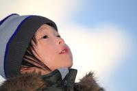 冬の日本人の子供