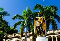 ハワイ ホノルルのカメハメハ大王像
