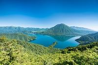 栃木県 日光 中禅寺湖 八丁出島と男体山