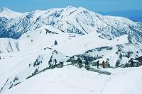 富山県 立山 雄山山頂より薬師岳遠望