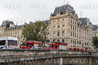 パリ警視庁で刃物男が襲撃 5人が死傷