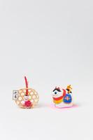 中山土人形犬鈴と正月飾り
