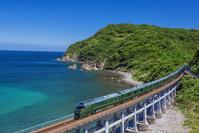 山口県 トワイライトエクスプレス瑞風(合成)惣郷川橋梁