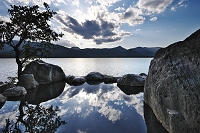 北海道 屈斜路湖のコタンの露天風呂の日没