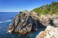 岩手県 碁石海岸の雷岩と乱曝谷