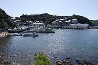 姫路市 坊勢島漁港と街並み