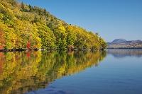 北海道 屈斜路湖と和琴半島の紅葉