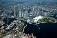 神奈川県 新港地区よりみなとみらい地区と横浜駅