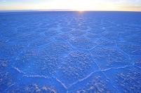 ボリビア ウユニ塩湖の日の出前