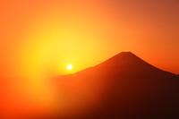 山梨県 櫛形山林道から見る富士山と朝日